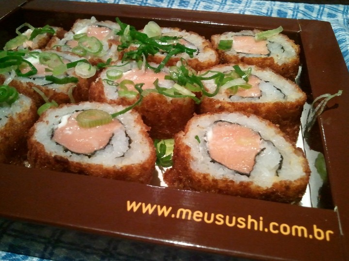Hot Roll Salmao R$ 32.90 Meu Sushi Delivery